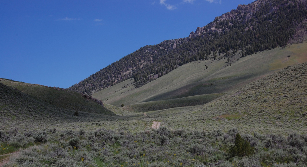 Beaverlands Pass from the east