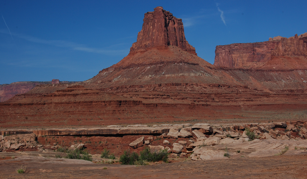 Closer canyon view